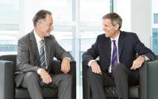 Urs Bühler, voormalig Chairman of the Board (links), en Calvin Grieder, Chief Executive Officer en nu Chairman of the Board.